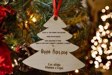 Cosa sapere prima di regalare a Natale un cellulare a un bambino.