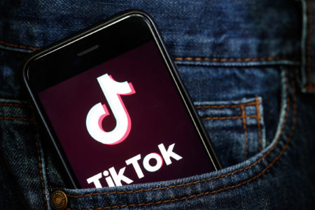 Tik Tok e se il problema fossero gli adulti?